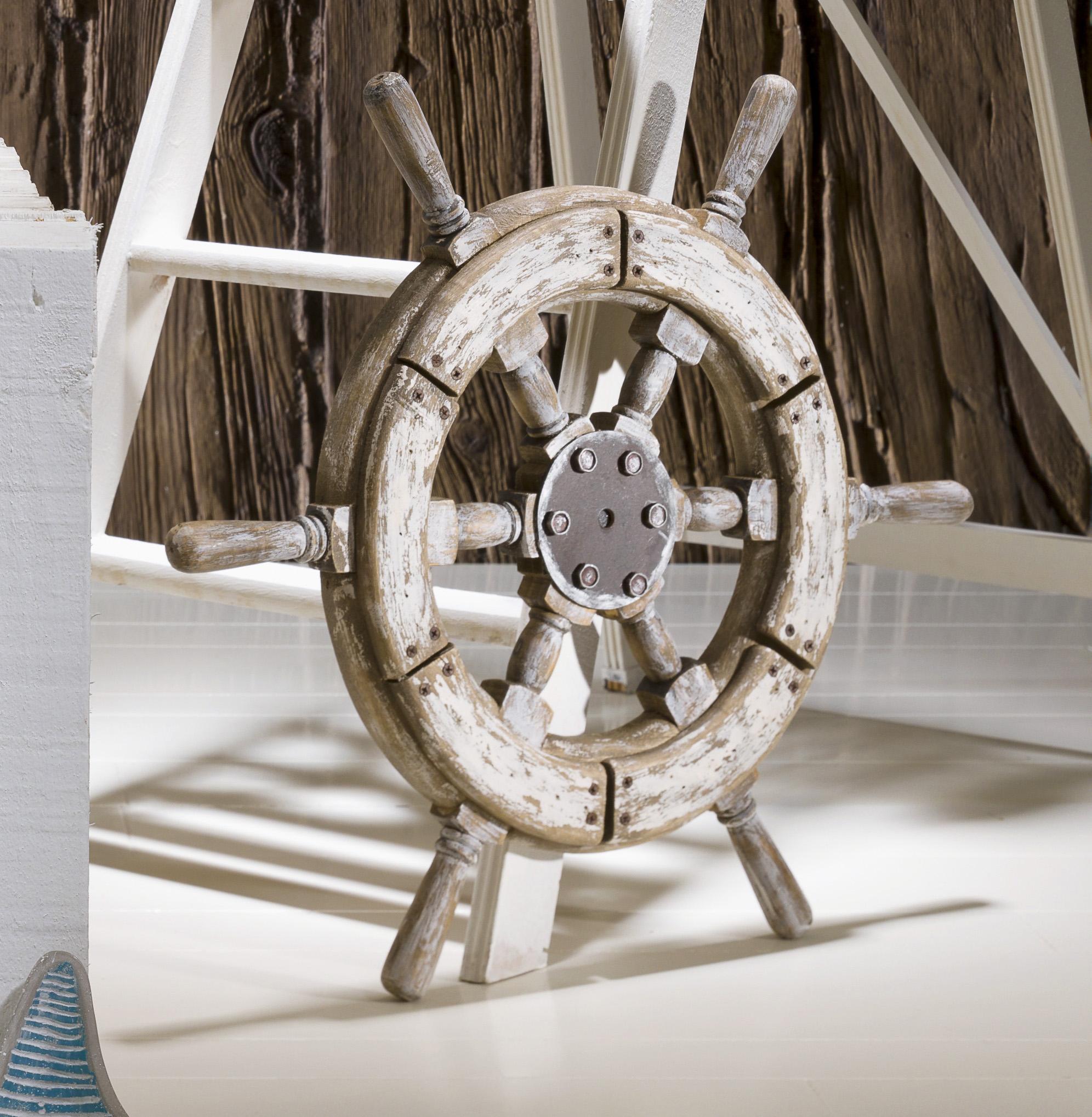 rueda de timon blanca envejecida
