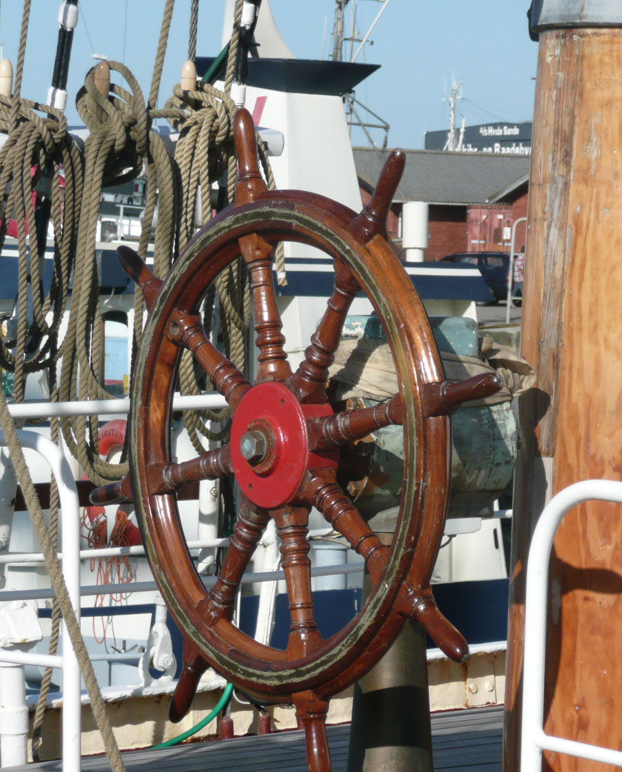 rueda timón de madera decoracion