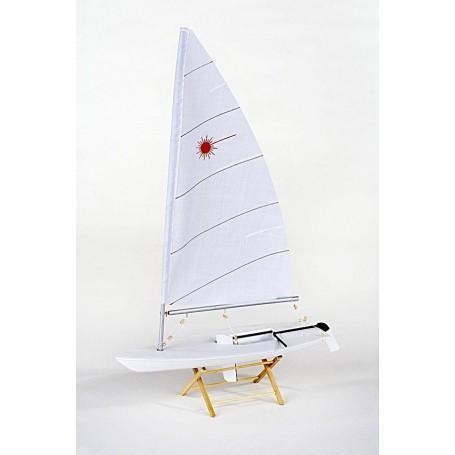 Maqueta naval velero olímpico Láser