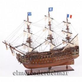 Maqueta de barco en madera del navío Royal Louis