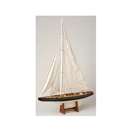 Maqueta naval de velero en madera