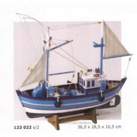 Maqueta de barco pesquero