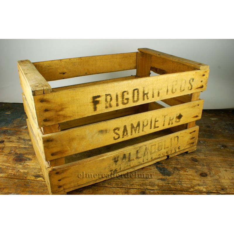 Caja de fruta antigua de madera for Cajas madera fruta decoracion
