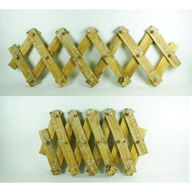 Colgador de madera rustica extensible