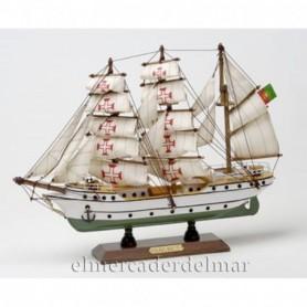 Maqueta naval buque escuela Sagres