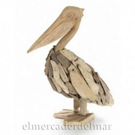 Pelícano marino en madera reflotada