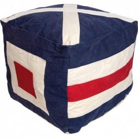 Puf náutico con banderas