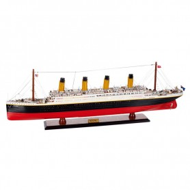 Maqueta de barco Titanic con luz en elmercaderdelmar.com para decoración náutica y marinera