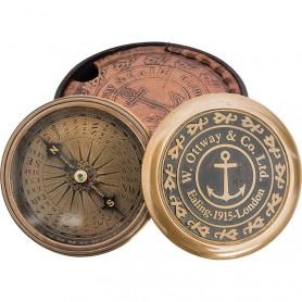 Brújula marinera con inscripción y estuche de cuero en el mercader del mar para decoración náutica y marinera