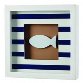 Cuadro marinero con pez blanco y rayas azules para decoración marinera.
