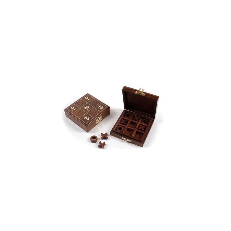 Caja con juego tres en raya en madera