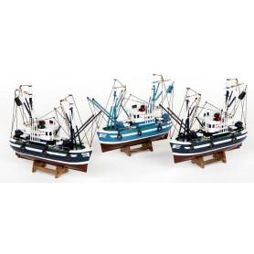 Barco de pesca con soporte en tonos marinos