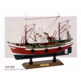 Maqueta naval de atunero en artesanía