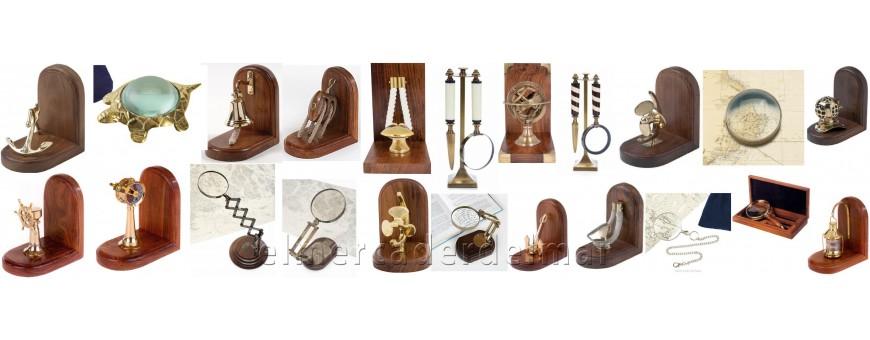 Sujeta libros náuticos, lupas y escritorio para la decoracion marinera